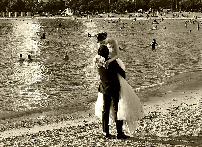 Ala Moana Beach Wedding