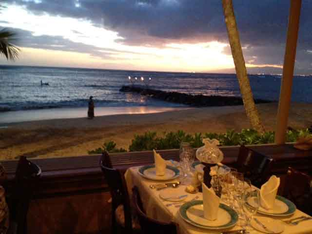 Michel S Is One Of The Longest Running Elishments On Oahu And Consistently Rated Best Beach Side Restaurants Island