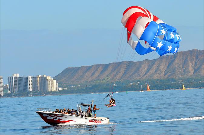 Parasailing Waikiki Beach