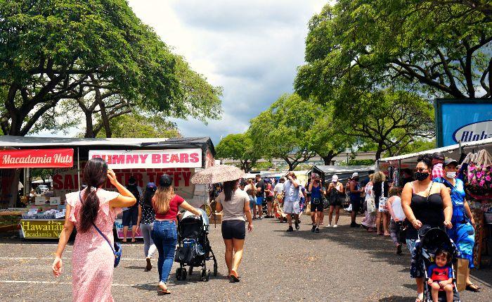 Aloha Stadium Swap Meet Action