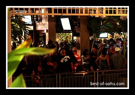 Oahu Nightlife at the Mai Tai Bar