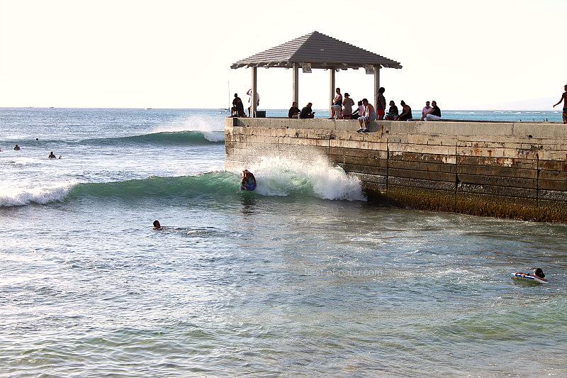 Waikiki Walls Waves